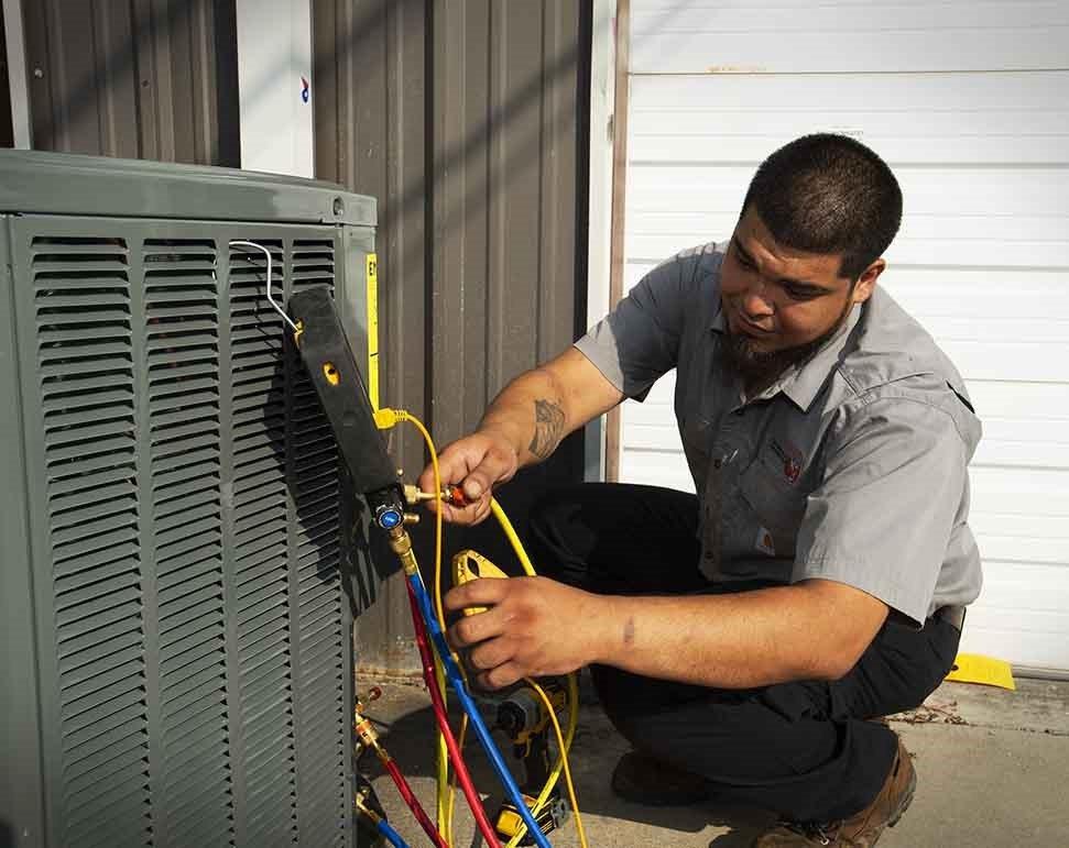 Tiger AC repair technician in Corpus Christi